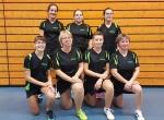 Equipe 1 (debout: Justine, Claire, Marine) et équipe 2 (à genoux: Léa, Nadine, Sonia, Beata)